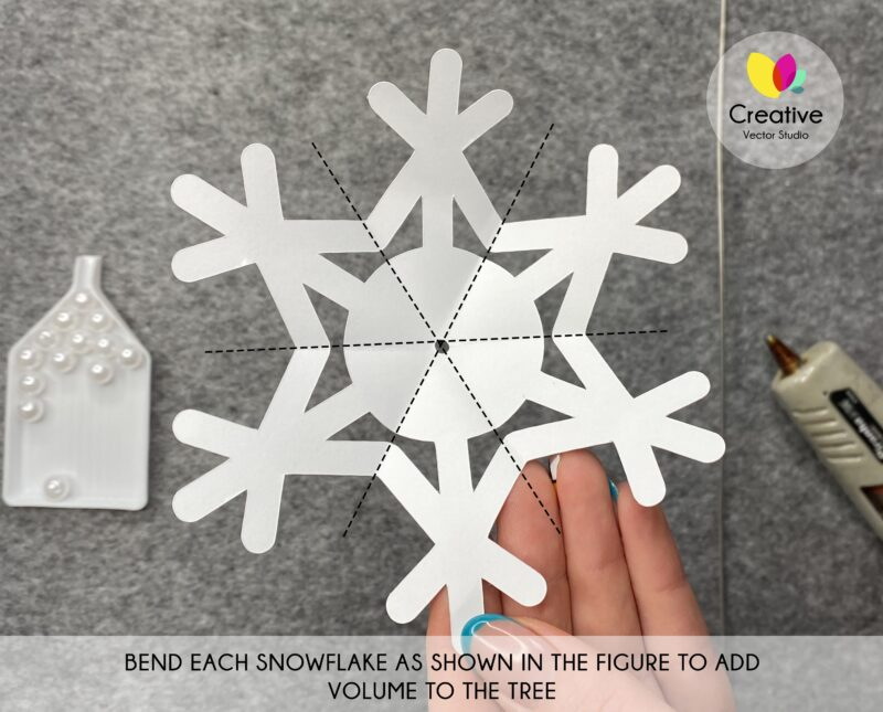 Snowflakes Tree SVG cutting template
